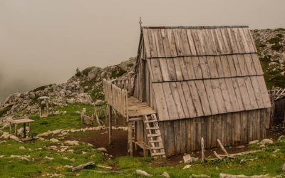 Wooden house on the summer alp of Gropa e Berizhdolit